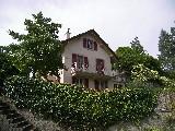 Dans un cadre verdoyant, charmante maison très ensoleillé de 5½ pièces...